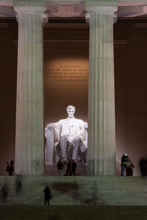 lincoln memorial: The Lincoln Memorial at Night on the National Mall in Washington DC