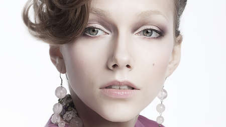 Close-up portrait of a beautiful chic  brunette - sensual woman Stock Photo - 13218224