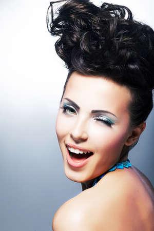 dentudo: Hermosa mujer joven riendo comprador - Sonrisa con dientes Foto de archivo