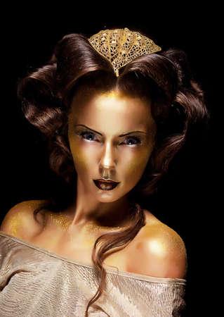 Dramatický styl Žena zlacené zlatý tvář - divadlo luxusním make up photo