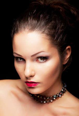 aristocrático: Se�orial femenino de moda aristocr�tica buscando. Belleza joven rostro Foto de archivo