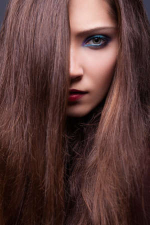 loose hair: Fashionable Beauty Model Sensual Brunette - Smooth Brown Hair
