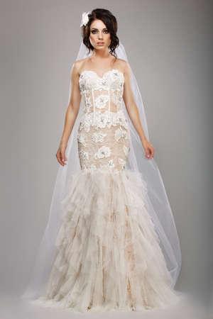 Hochzeits-Romantik Sinnlich Braut Mode-Modell Tragen ärmellose Weiße ...