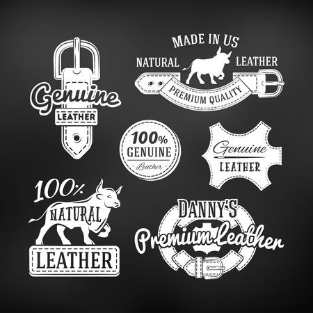 가죽 품질 제품 벡터 디자인의 집합입니다. 빈티지 벨트 로고, 복고풍 레이블. 어두운 배경에 정품 가죽입니다.
