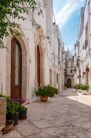 A view of Locorotondo, a beautiful white village in Apulia, Italy Banque d'images