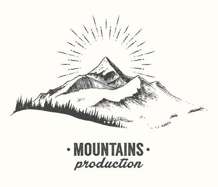 Schets van een bergen met sparrenbos, zonsopgang zonsondergang in de bergen, graveren stijl, met de hand getekende vector illustratie Stockfoto - 69115494