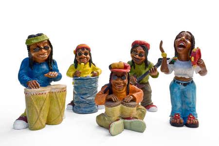 reggae: musiciens de reggae rastafari jouant de la musique