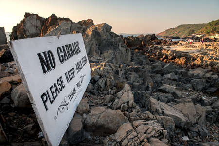 sign: sign on the beach: no garbage Stock Photo