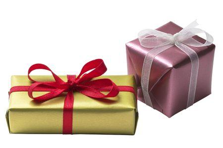 lazo regalo: Dos cajita presente con arco de cinta aislado sobre fondo blanco
