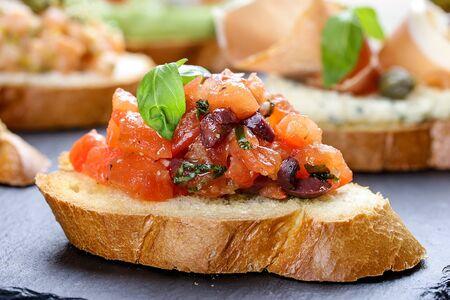Bruschetta with tomato and Basil 스톡 콘텐츠
