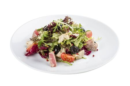 Salad with fried tuna and artichokes. On white background 스톡 콘텐츠 - 131591466