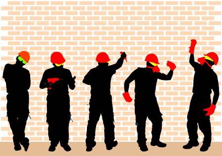 ropa trabajo: Fotograf�a en color de un hombre en ropa de trabajo y un casco con herramientas