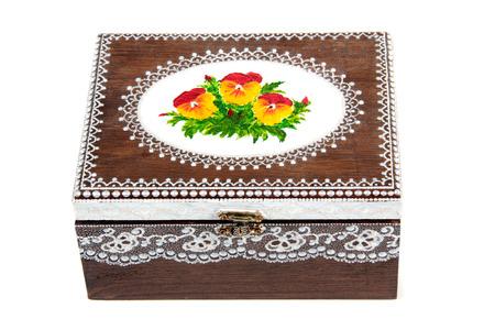 Boîte en bois peint sur blanc Banque d'images - 63141947