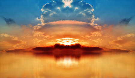 Colored Sunset. Panorama Sky with Clouds and Big Explosion over Red Sea Banco de Imagens
