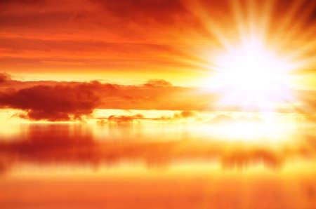 Red sunset over sea Standard-Bild