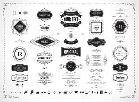 Set di elementi di design originali, cornici, bordi, etichette, monogrammi. Raccolta di turbinii di calligrafia vettoriale, ornati, motivi decorati, pergamene, decorazione di pagine. Vettoriali
