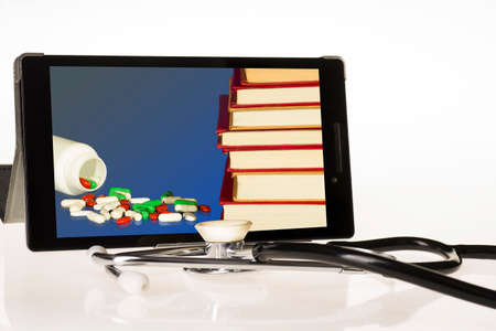 The concept of complementing medical knowledge over the internet