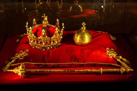 Scepter and Polish crown
