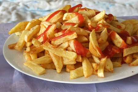 franch frites on a plate,