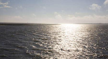 zon weerkaatst de Atlantische Oceaan