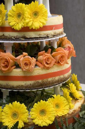 리셉션에서 제공되는 치즈 케이크 인 웨딩 케이크