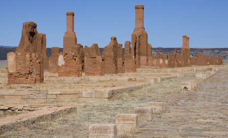 Fort that is ruins that once was home to horseback troops in New Mexico Фото со стока