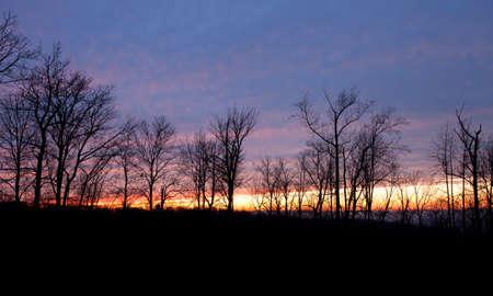 winchester: Ultimi raggi di luce sulla citt� di Winchester Virginia in inverno