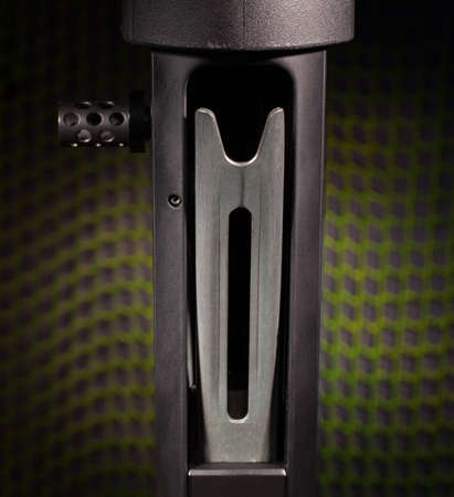 Mechanism that lifts shotshells into a shotgun chamber Imagens