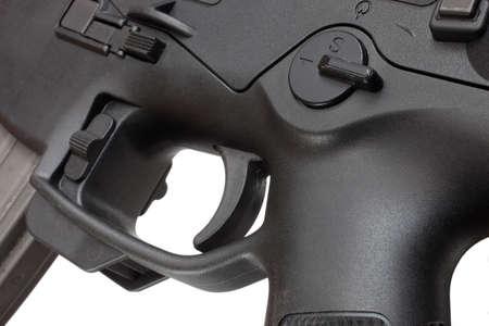 desencadenar: Grupo de activaci�n y m�s bajo del receptor en un moderno rifle deportivo Foto de archivo