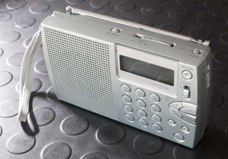 shortwave: Radio that runs on battery power that can hear broadcast and shortwave transmissions