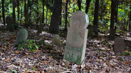 ノースカロライナ州の古いスコットランドの墓地のマーカー 写真素材