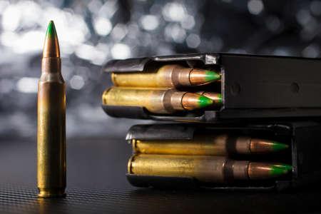 Cartouches pour fusils de l'OTAN avec une paire de magazines