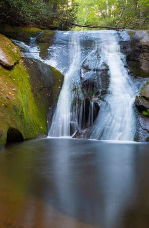 Widow Falls at North Carolinas Stone Mountain State Park Archivio Fotografico - 135813499