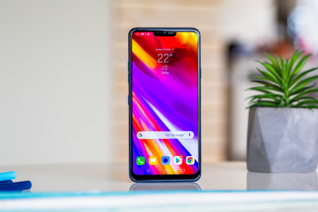 LG G7 ThinQ from the front