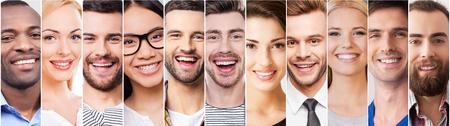 쾌활한 미소. 다양한 다민족 젊은 사람들이 긍정적 인 감정을 표현하고 미소의 콜라주