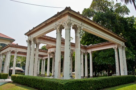 corinthian: Corinthian Order in Roman Garden