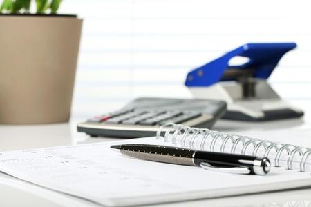 Business Concept - Office Desk - Dokument. Standard-Bild - 18992871