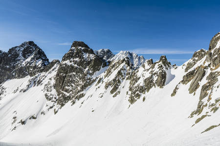 despite: Winter mountains despite the advent calendar spring still holds.