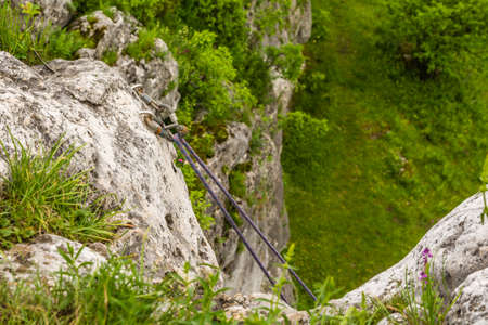 karabiner: Dynamic rope suspended by the screw carabiners climbing the so-called toproping.