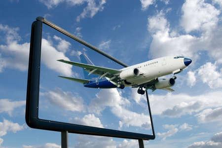 Vlieg tuig vliegen van een billboard