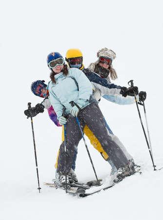narciarz: Narciarzy zabawÄ™ w blizzard Zdjęcie Seryjne