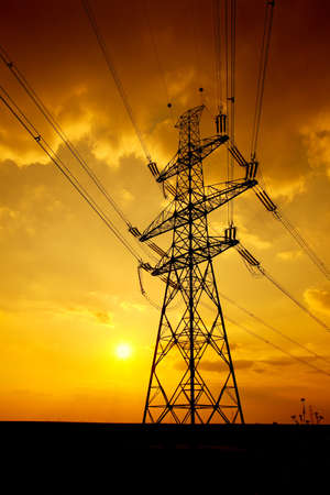 electric grid: High voltage electric line