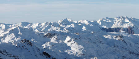 Snowy, high mountain range in the alps Stock Photo - 10628907