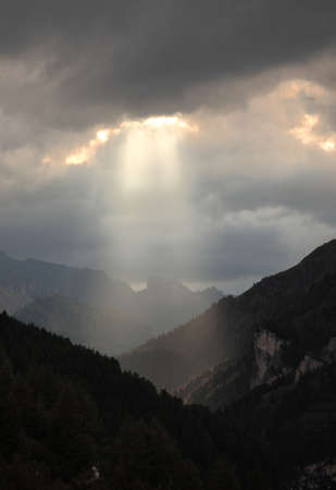 Dramatic light in a mountain landscape photo