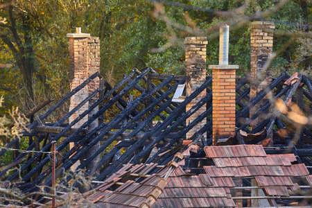 Collapsed House Roof 版權商用圖片