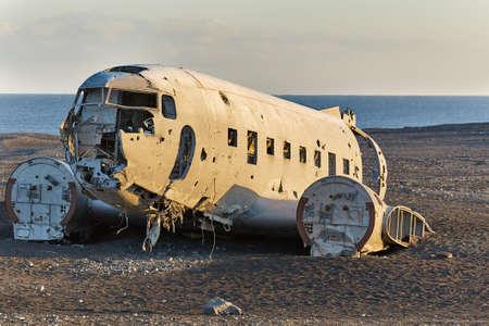 Accidente de avión en Islandia Foto de archivo - 97183150