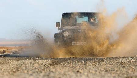 Jeep Wrangler on Icelandic terrain Editöryel