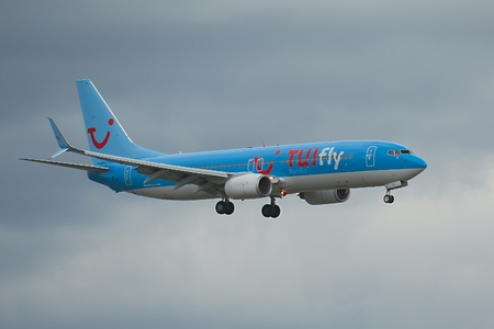 Plane landing, Tui Fly Boeing 737 Editorial