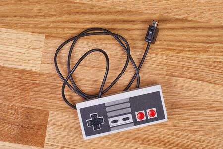 Retro gaming controller of a console