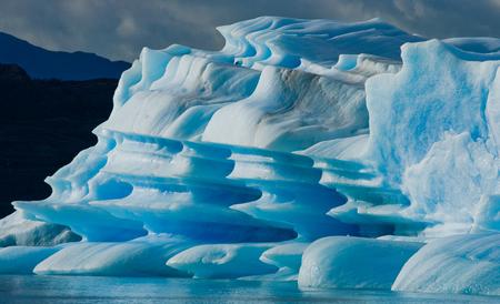ottimo: Icebergs in the water, the glacier Perito Moreno. Argentina. An excellent illustration.